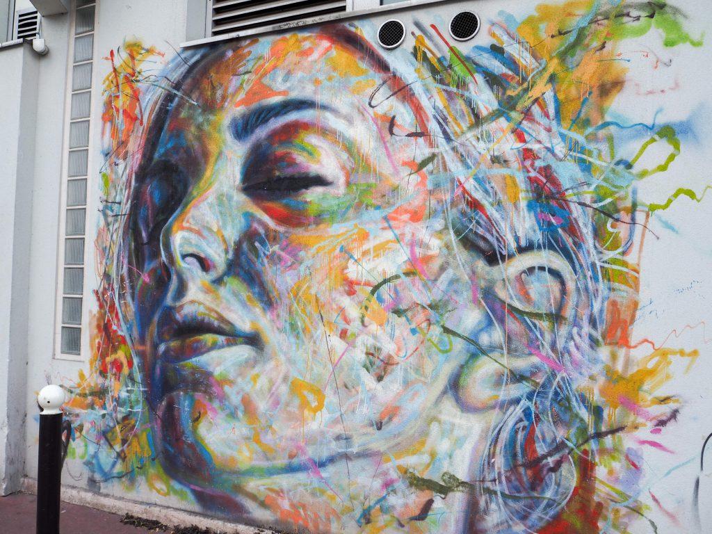 Frauenkopf von David Walker