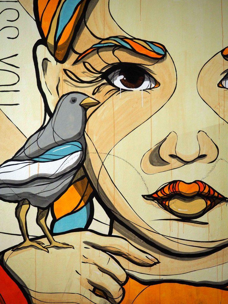 Mädchen mit Vogel von El Bocho