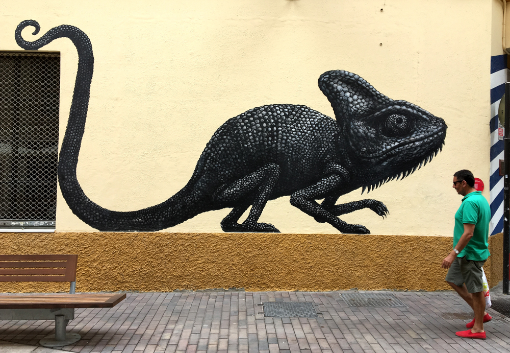 Reptil an Hauswand