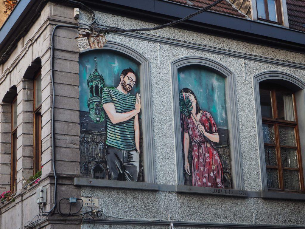 Paar im Fenster