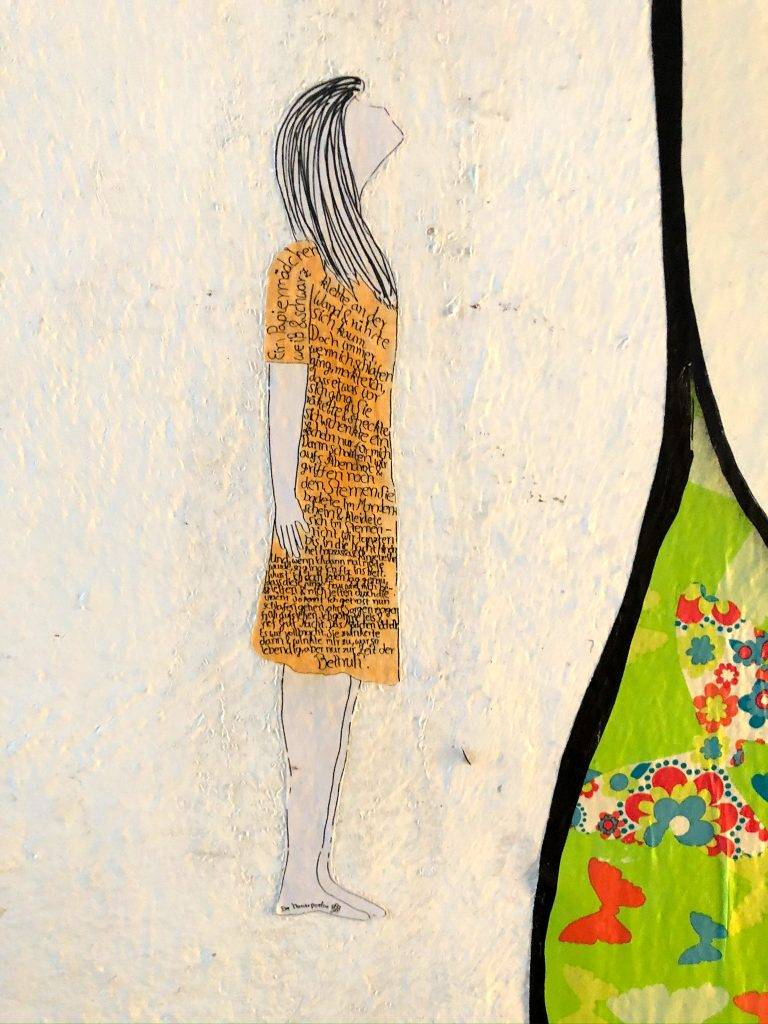 Mädchen mit Gedicht