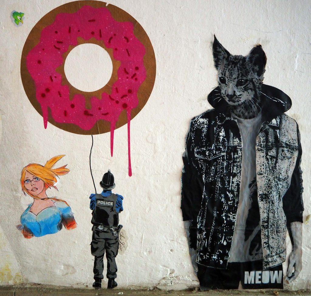 Polizist mit Donut